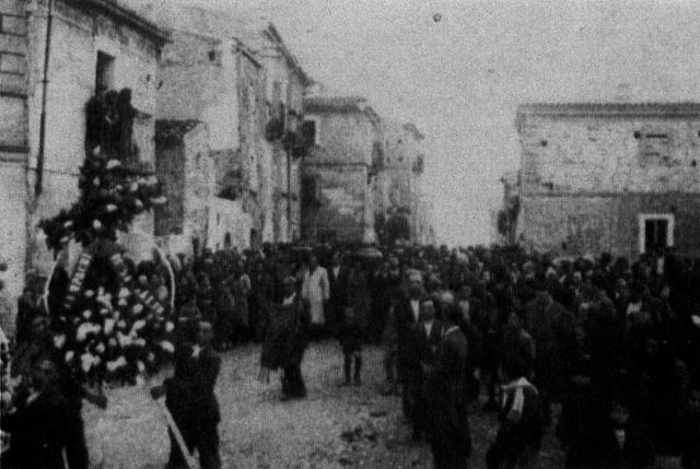 Lentella - I funerali di Cosimo Mangiocco e Nicola Mattia, 1950