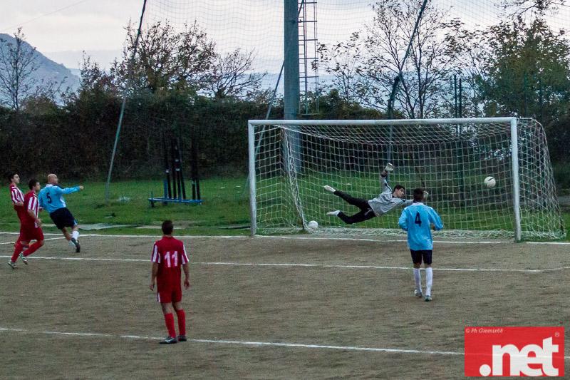 Il gol vittoria del Real San Giacomo