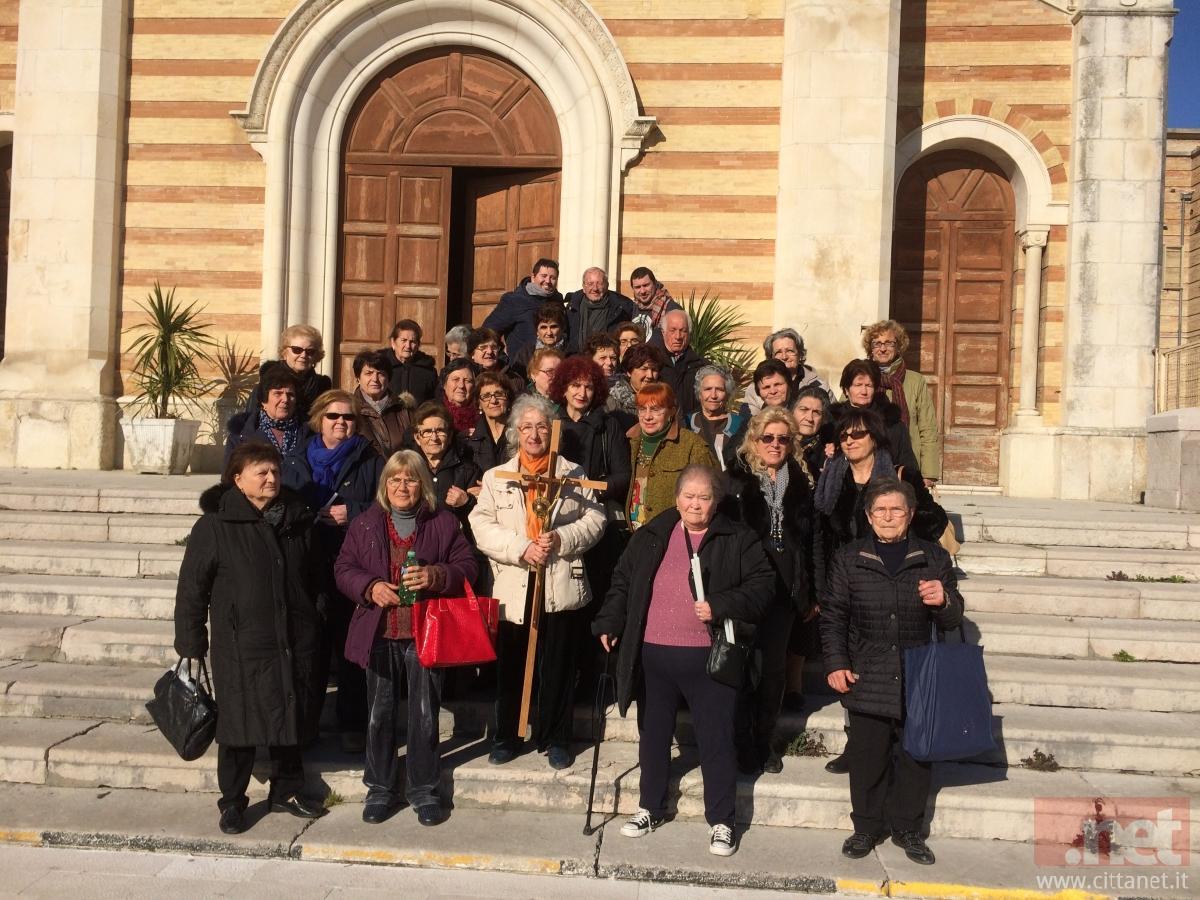 Gruppo dei pellegrini sansalvesi a Monteodorisio