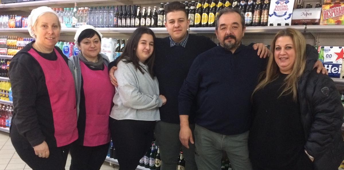 Lo staff del supermercato
